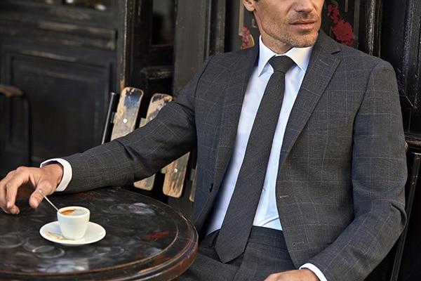 Chemise sur mesure Jean de Sey Terrasse de café